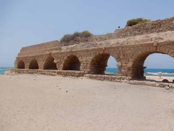 Aqueduct @ Caesarea